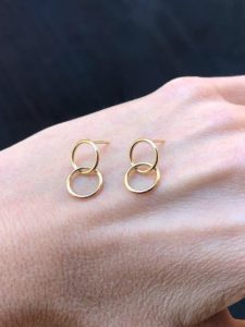 Small interlinked earrings